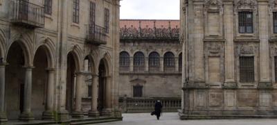 Casco histórico de Santiago de Compostela próximo al Parking San Fernando